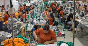14-12-2016 ASSUNCAO - PY / EXCLUSIVO EMBARGADO / ECONOMIA OE / ESPECIAL MAQUILAS PARAGUAI - Linha de producao da confeccao Texcin em Assuncao, Paraguai, que produz para as Lojas Riachuelo no Brasil - FOTO DANIEL TEIXEIRA/ESTADAO