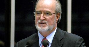 Em pronunciamento na tribuna do Senado, Senador Eduardo Azeredo (PSDB-MG)