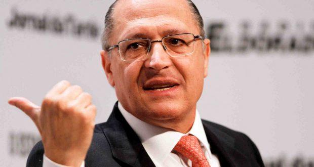O candidato a governador, Geraldo Alckmin  durante sabatina do jornal O Estado de SP Local: São Paulo/SP Data:20/08/2010 Foto:Ciete Silvério/Geraldo 45