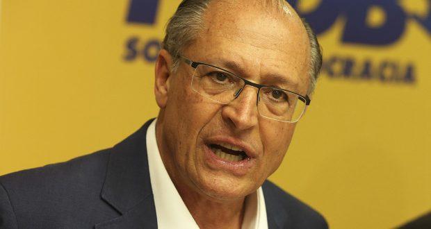 Geraldo Alckmin participa de reunião da Executiva Nacional do PSDB, para avaliação do resultado das eleições e definição da posição partidária frente ao segundo turno na eleição presidencial e nos estados.