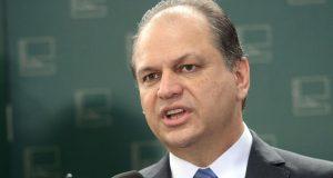 Brasília - O relator-geral do Orçamento 2016, deputado Ricardo Barros, fala à imprensa (Antonio Cruz/Agência Brasil)